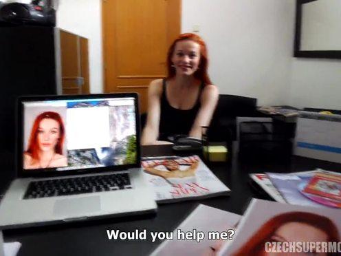 Сладенькая чешская модель согласилась потрахаться с мужчиной на кастинге в агентство