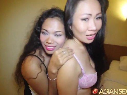 Азиатскую телку с сочными сиськами подцепил и трахнул в гостиничном номере белый турист