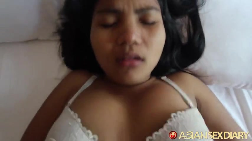 kak-prostitutok-otodvinuv-trusiki-v-storonu-video-velik-soski
